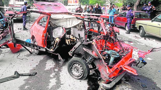 Estado en el que quedó el vehículo en el que viajaban Irene Villa y su madre el 17 de octubre de 1991