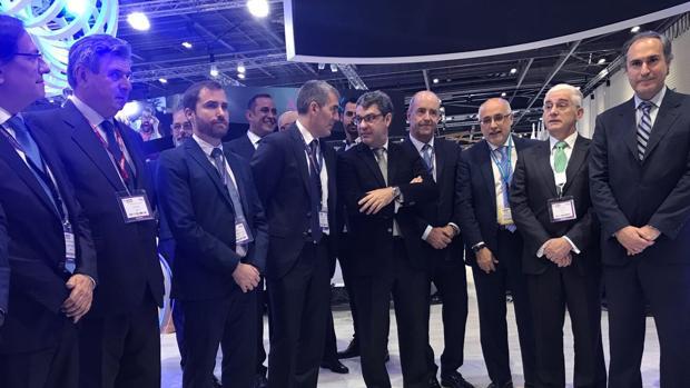 Autoridades canarias, Isaac Castellano, Fernando Clavijo y Nadal, ministro de Turismo, en la feria WTM de Londres