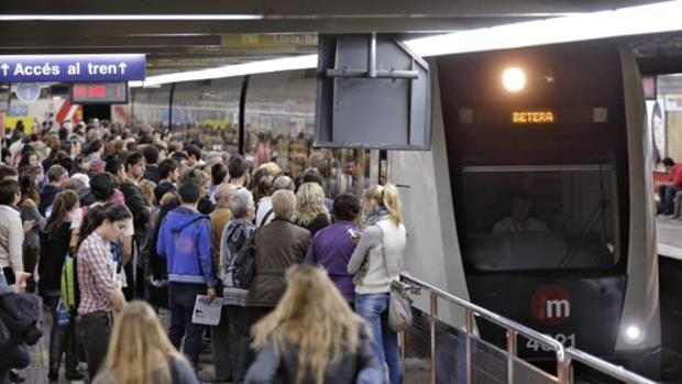 Imagen de artchivo de una estación del Metro de Valencia durante una jornada de huelga