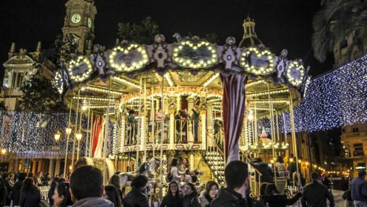 Valencia adelanta la iluminaci n navide a y prepara un - Iluminacion en valencia ...