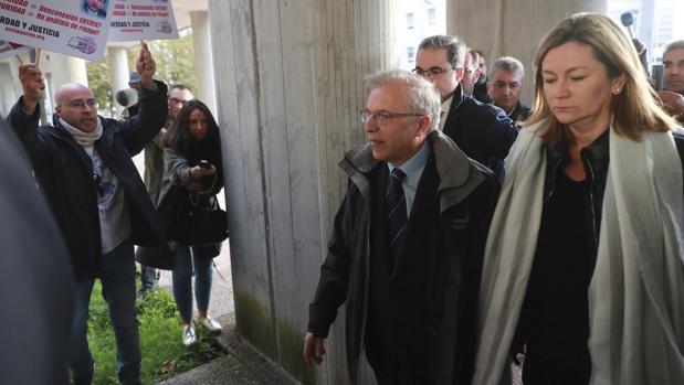 El director de Seguridad de Renfe, Antonio Lanchares, a su llegada a los juzgados