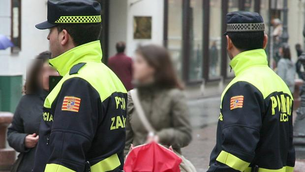 Imagen de archivo de agentes de la Policía Local de Zaragoza