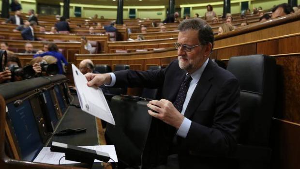 El presidente del Gobierno, Mariano Rajoy, en una sesión de control en el Congreso