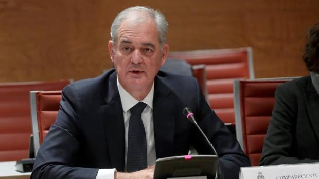 Javier GArcía Lurueña, consejero delegado de Kutxabank durante su comparecencia