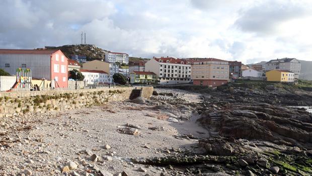 Imagen actual de una playa afectada por la marea negra hace 15 años
