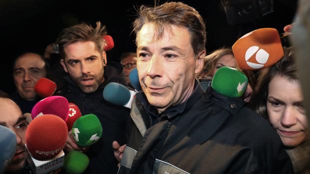 Ignacio González, a su salida de la cárcel de Soto del Real