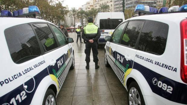 Imagen de archivo de unos agentes de la Policía Local de Valencia