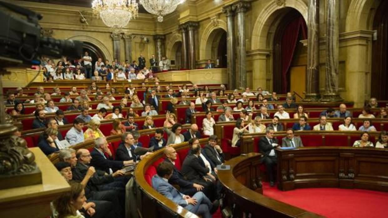 El 21-D dejará un resultado igualado entre constitucionalistas y rupturistas, según GAD3