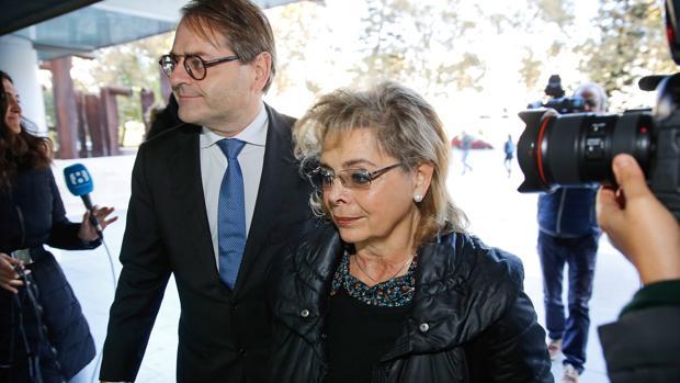La exedil María José Alcón, este lunes en los juzgados