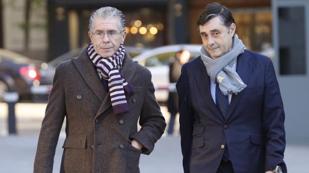 Francisco Granados, acompañado por su abogado Javier Vasallo