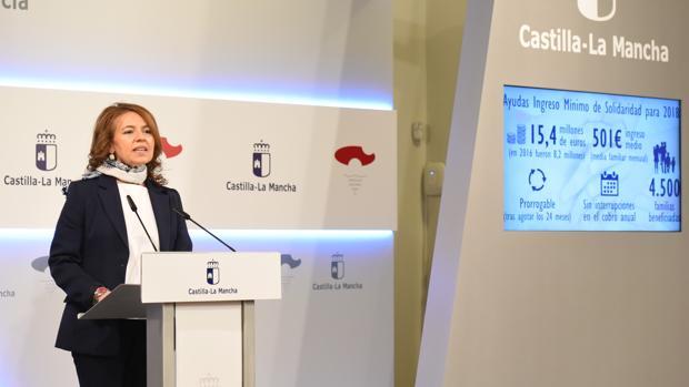 La consejera de Bienestar Social, Aurelia Sánchez, informó de este acuerdo en el Palacio de Fuensalida de Toledo