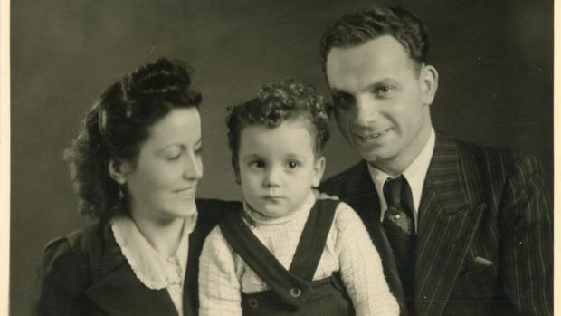 Margarita Ferrer, Rudolf Friemel y su hijo, en 1944