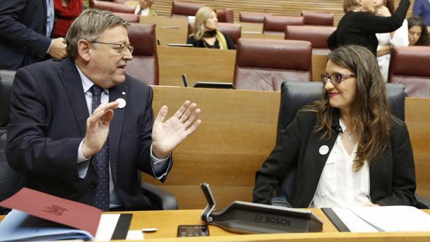 El presidente de la Generalitat, Ximo Puig, junto a la vicepresidenta, Mónica Oltra