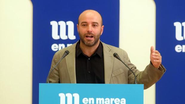El portavoz de En Marea, Luís Villares, durante una rueda de prensa
