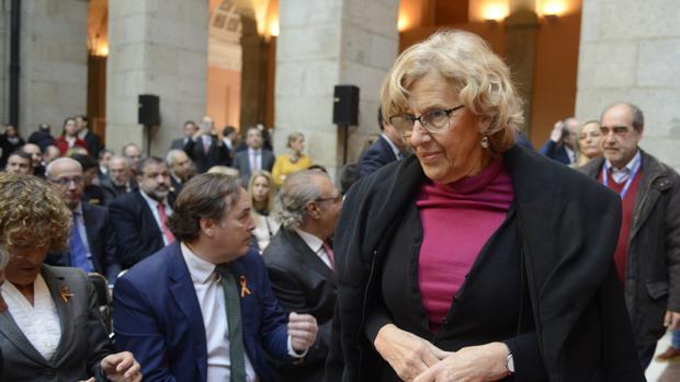 La alcaldesa Manuela Carmena, a su llegada a la Real Casa de Correos