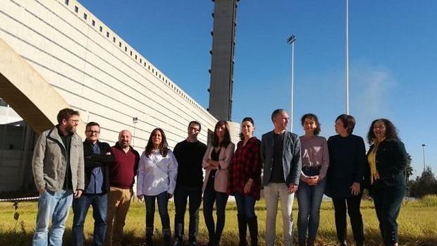 Imagen de los presentadores de la nueva radio pública valenciana