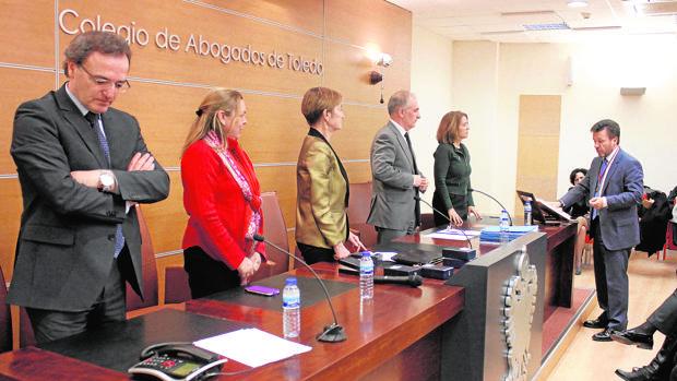Ángel Cervantes, actual vicedecano, tomando posesión de su anterior cargo en febrero de 2016