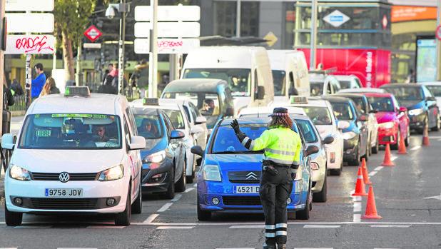 Control de vehículos en el acceso a la Gran Vía