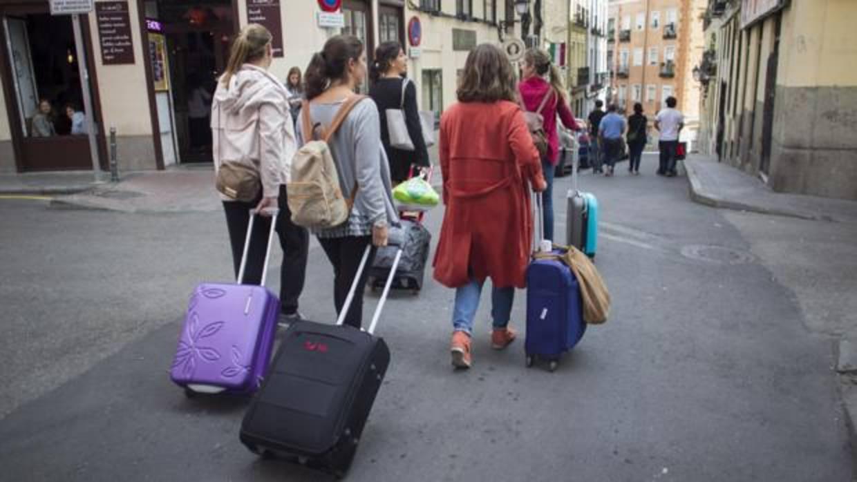 Los hoteleros denuncian pisos tur sticos ilegales for Pisos turisticos madrid