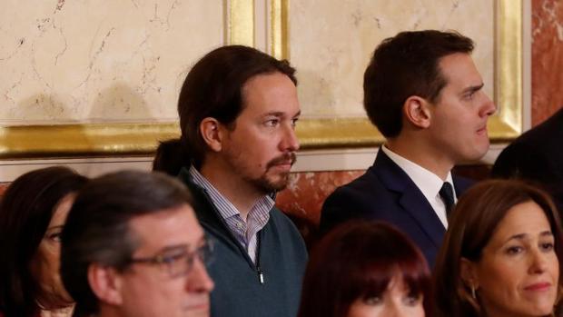 Pablo Iglesias al lado de Rivera este miércoles en el Congreso durante la celebración del aniversario de la Constitución
