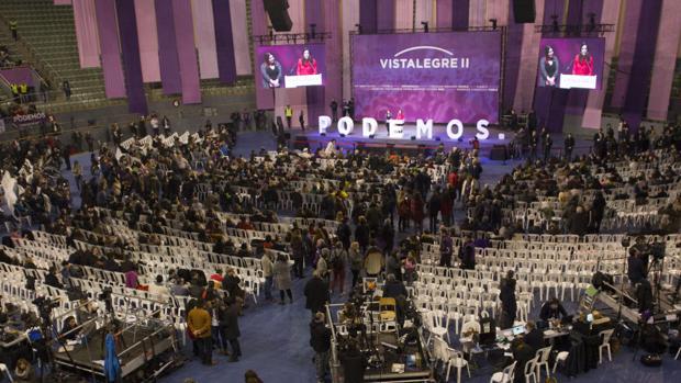 Imagen de la asamblea de Podemos celebrada en el pabellón de Vistalegre