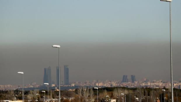 La suspensión de partículas contaminantes sobre la ciudad de Madrid