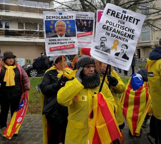 Apoyo de los independentistas flamencos y valones al expresident catalán