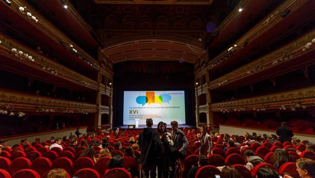 El Teatro Calderón de Valladolid, durante el transcurso del Congreso Internacional de Protocolo