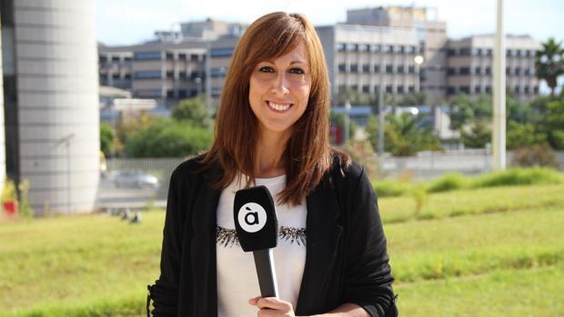 Imagen de la presentadora y codirectora de Al Ras, Jèssica Crespo