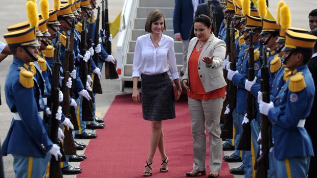 El primer viaje de cooperación de la Reina Letizia fue a Honduras en 2015