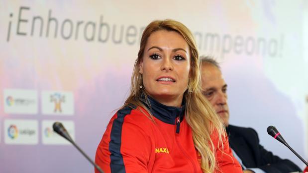 La haltera leonesa Lydia Valentín, durante la rueda de prensa ofrecida en Madrid