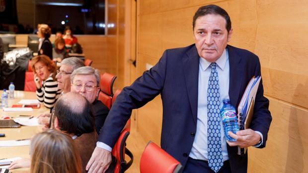El consejero de Sanidad de Castilla y León, Antonio Sáez Aguado