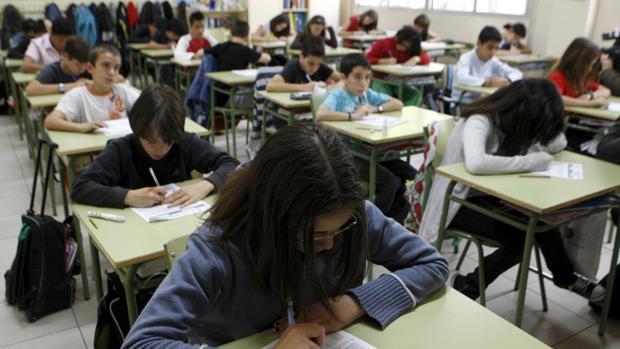 Escolares madrileños durante una clase