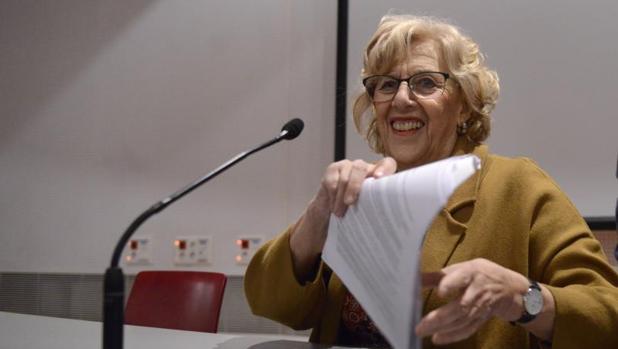 Carmena presenta un nuevo PEF para acabar con el tutelaje de Montoro