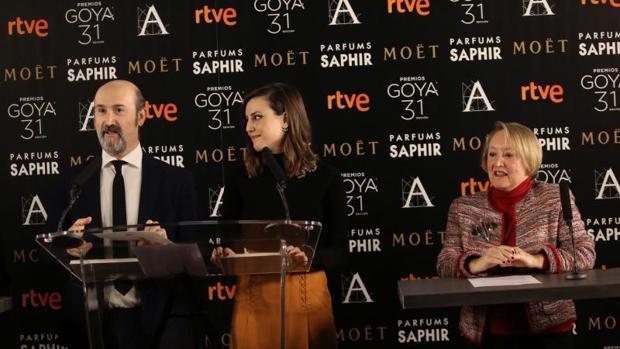 Lectura de las nominaciones al los últimos Premios Goya,, en 2016, con Javier Cámar, Ivonne Blake y Natalia de Molina
