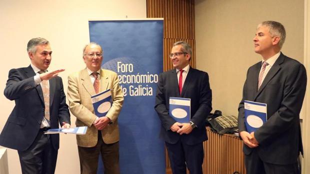 Los economistas del Foro Económico de Galicia en la presentación de su último informe