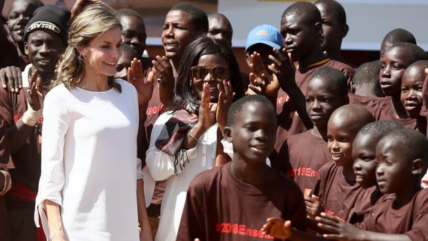 La Reina Letizia: «La magia de Senegal está en las mujeres que aman su país»