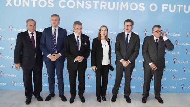 Calros Mouriño, propietario del Celta, junto a los presidentes del Congreso y la Xunta, Ana Pastor y Alberto Núñez Feijóo, y el vicepresidente gallego, Alfonso Rueda, entre otros.