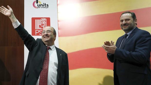 Miquel Iceta junto al secretario de Organización del PSOE, José Luis Ábalos, en un acto de campaña ayer