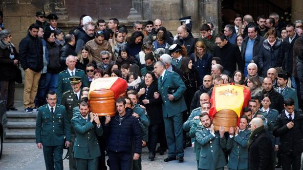 Emotivo adiós a los dos guardias civiles asesinados en Teruel