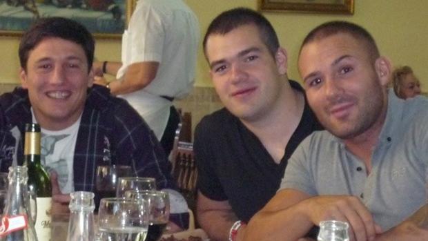 «El Troll» (izquierda), con el «Niño Sáez» (primero por la derecha)