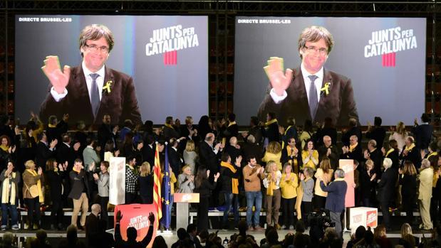 Carles Puigdemont, en un acto de campaña desde Bélgica
