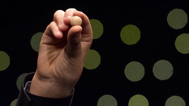 Bola del sorteo del número agraciado con el Gordo de la Lotería de Navidad