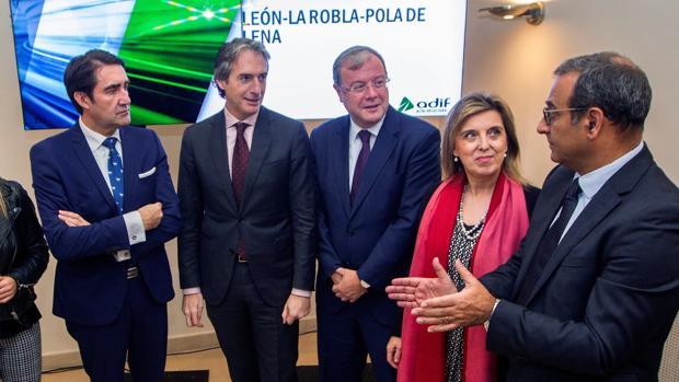 El ministro Íñigo de la Serna presenta en Oviedo los plazos de la línea del AVE León-Asturias