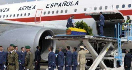 Honras fúebres por Ondimba antes de partir a Libreville desde Barcelona en 2009
