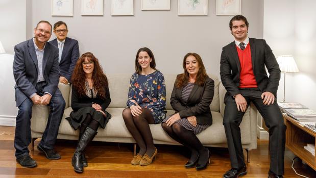 Los seis integrantes del Foro ABC, en el Hotel El Coloquio de los perros de Valladolid