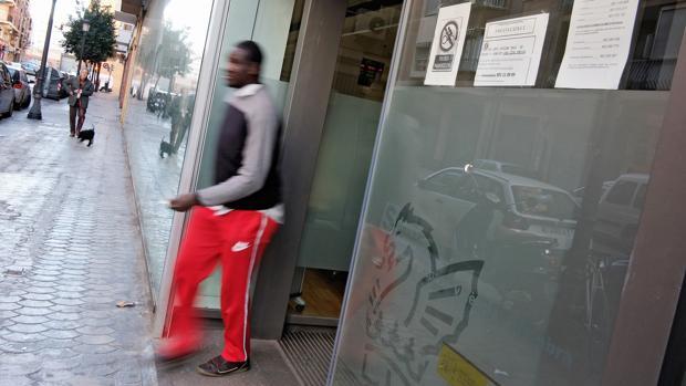 185 nuevos ocupados al d a y 91 desempleados menos diarios for Oficinas servef valencia