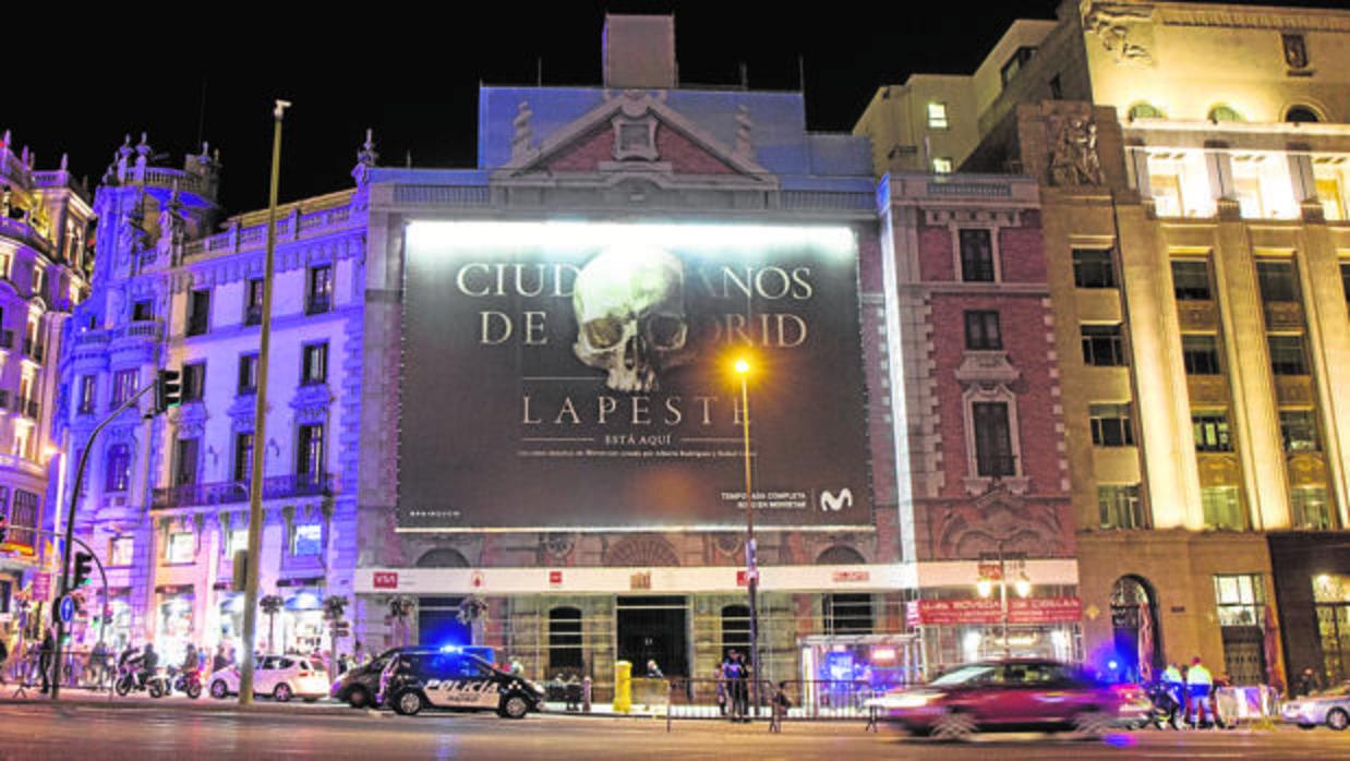 Polémico anuncio en una iglesia del centro de Madrid: «La peste está aquí»