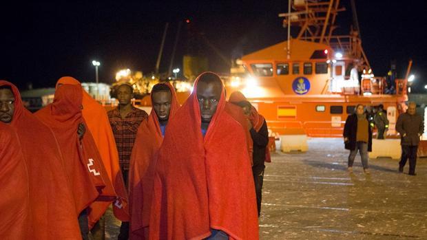 Traslado de 55 inmigrantes a Motril la madrugada del 3 de enero