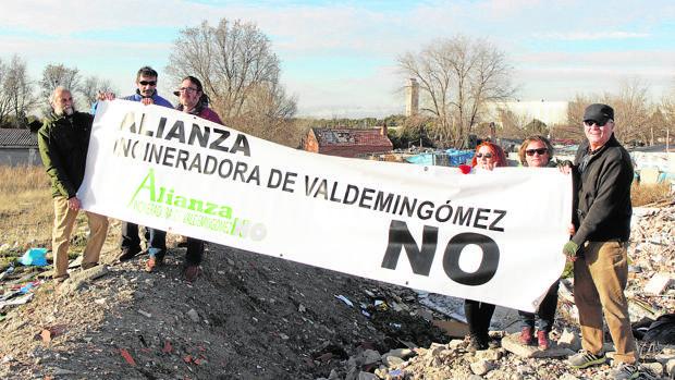 Guerra vecinal contra la incineradora de Valdemingómez: «¡Aquí ya no podemos respirar!»